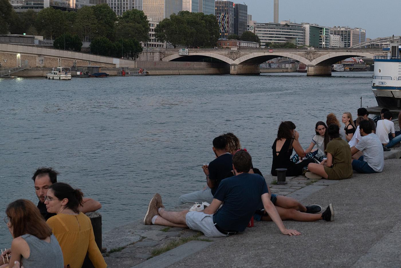 Je später der Abend, desto zahlreicher die Picknicker