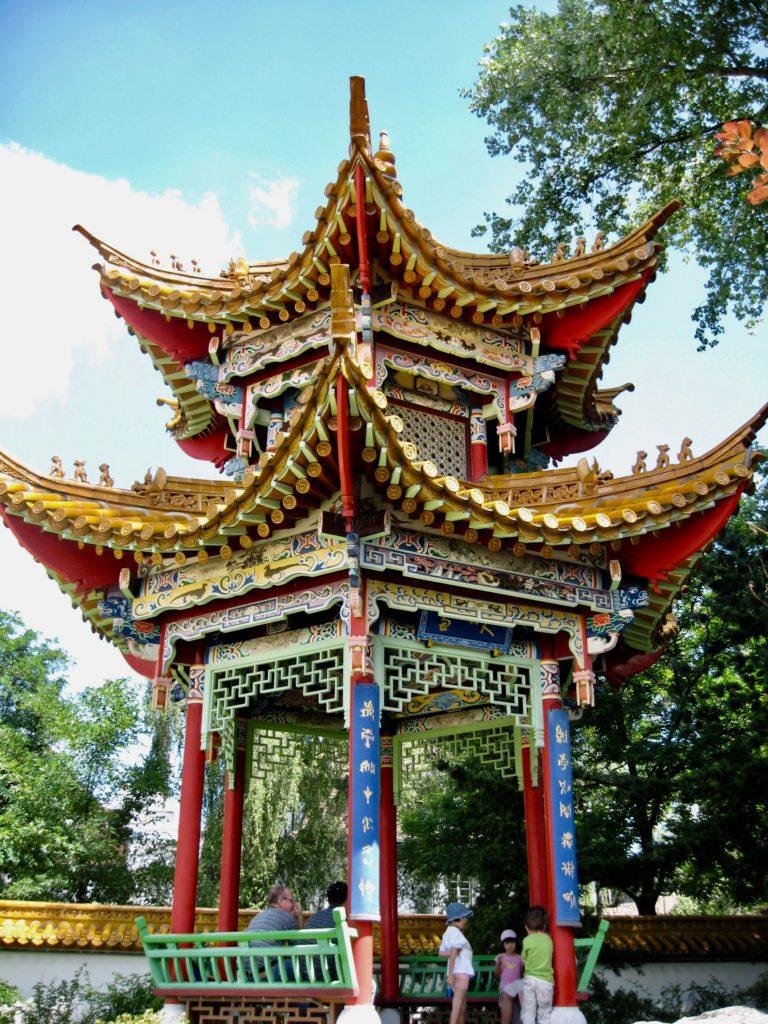 Ein bisschen wie in einer andern Welt - Pagode im Chinagarten