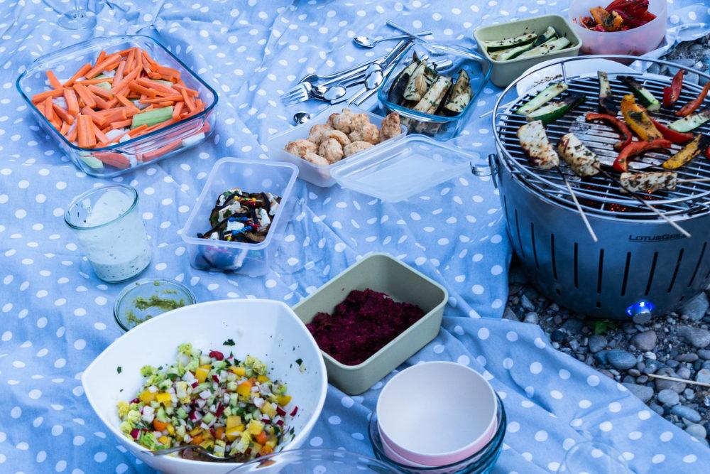 Salat, Himbeeren, Apéro, ... alles da.